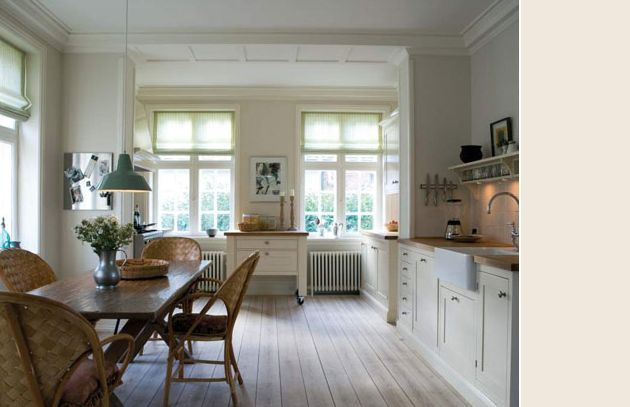 Slipper Satin by Farrow Ball, Style at Home. Best white paint colors. Contemporary, rustic kitchen. Laid-back casual design. Light color palette. Soothing kitchen. Simple and casual kitchen and dining room.