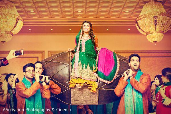 Mehndi Party! http://www.maharaniweddings.com/gallery/photo/38240