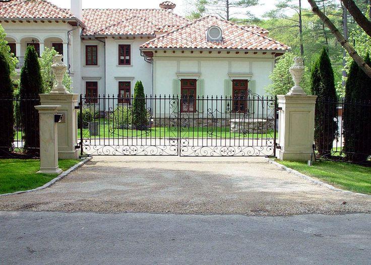 13 Best Sculptural And Ornamental Driveway Gate Designs