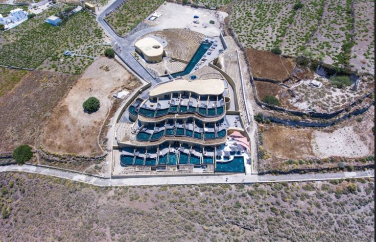 Aerial capture featuring the 25 luxury suites, all with private pools overlooking the wonderful caldera. Thank you Befor I Die for sharing your #andronisexperience with us.