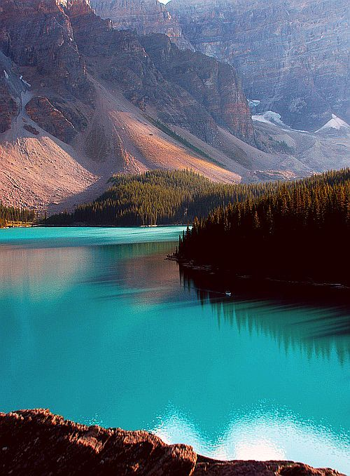 Moraine Lake, Banff, Canada #honeymoon #travel Yes, this is a Canadian National Park...it counts
