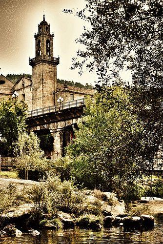 Campanario do convento franciscano a beira do río Avia en #ribadavia.