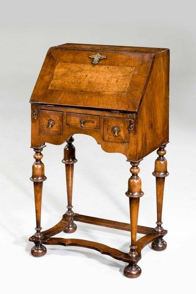 Walnut Bureau of William and Mary design - Windsor House Antiques