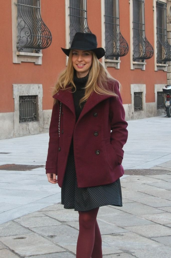 MARSALA & BLACK: CASUAL CHIC OUTFIT