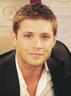 Jensen Ackles's smile dimples are going to do me in. Love his body too, but this FACE!