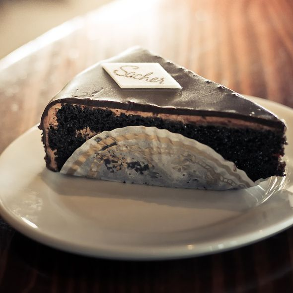 Love love love this dessert!  I'm totally buying myself a whole cake for my birthday.