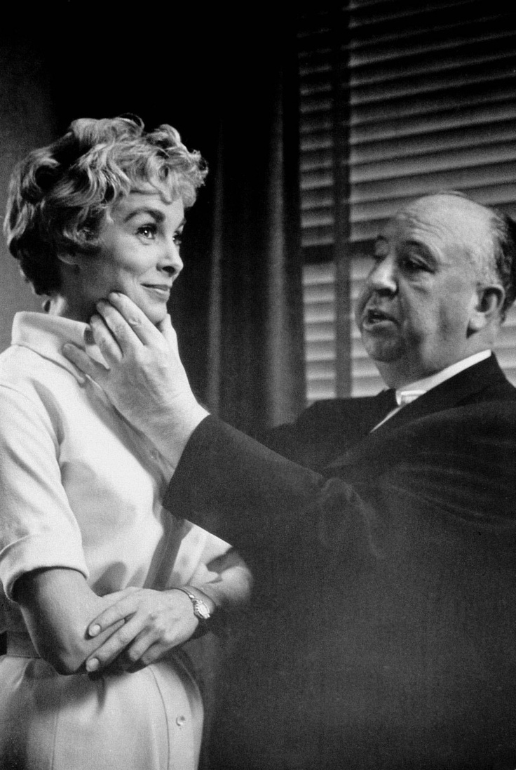 Psycho shower curtain scene - Vintage Everyday Awesome Behind The Scenes Photos From Horror Movies Psycho Alfred Hitchcock Grabs Janet Leigh S Face On The Set