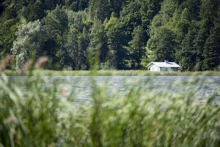 Cabin | by visitsouthcoastfinland #visitsouthcoastfinland #Finland #Lohja #lohjansaari #cabin #water #landscape #mökki #vesi #maisema