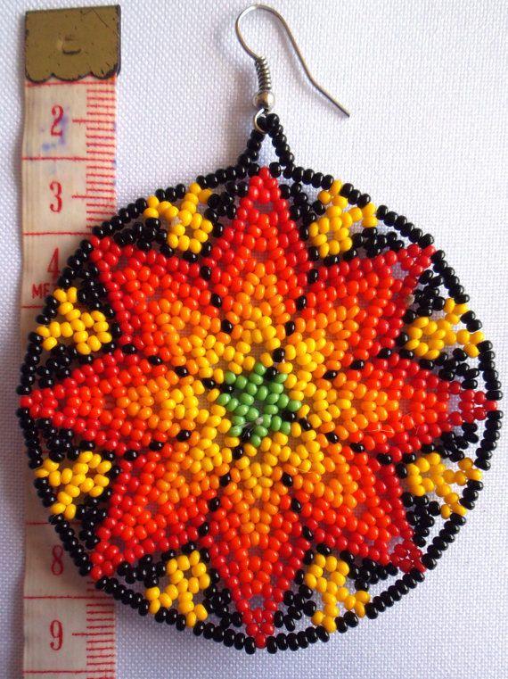 Huichol Beaded Star earrings van Aramara op Etsy