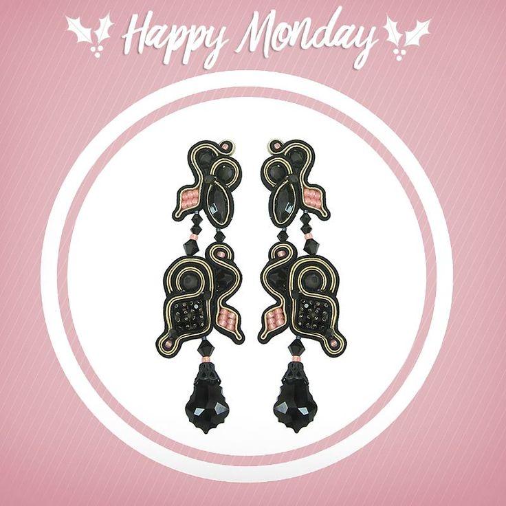 Have a mellow Monday with our Black Mimosa earrings!  #doricsengeri #mellowmonday #happymonday #mondaymotivation #statementearrings #blackearrings #designerjewelry