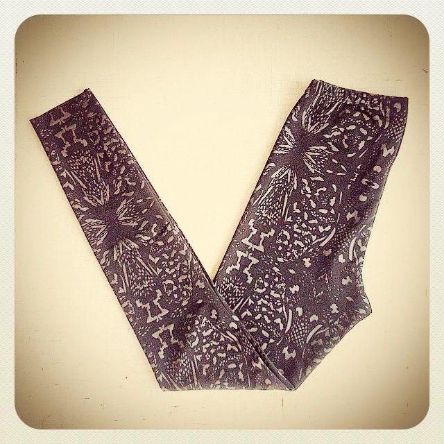 ALEXI FREEMAN Python Print Leggings #textiledesign #madeinmelbourne #Madetoorder #python #handprintedtextiles #melbournefashion #australianfashion #designerfashion #melbourne #fitzroy #leggings
