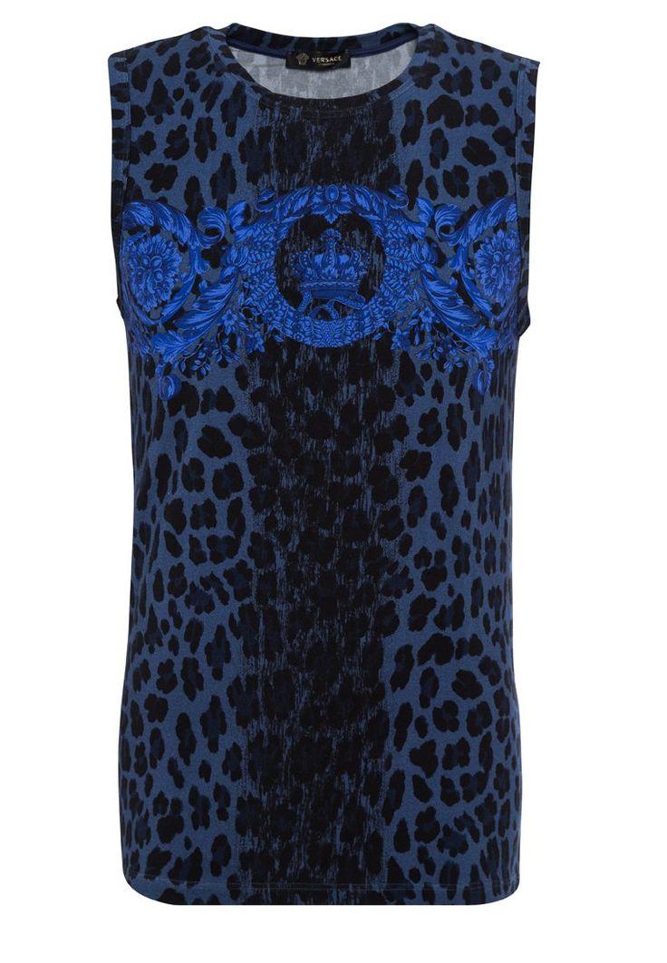 Versace CANOTTA BIJOU Podkoszulki bluette 593.10zł Materiał: 90% wiskoza, 10% elastan #moda #fashion #men #mężczyzna #versace #canotta #bijou #podkoszulki #bluette #niebieski #czarny #bez #rękawów #męskie