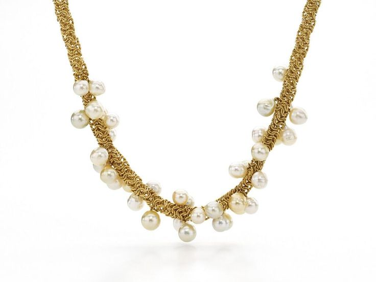 Gold necklace with Australian South Sea Pearls, rich textures & warm colors #jewelry pic.twitter.com/fgvQfFOF9K