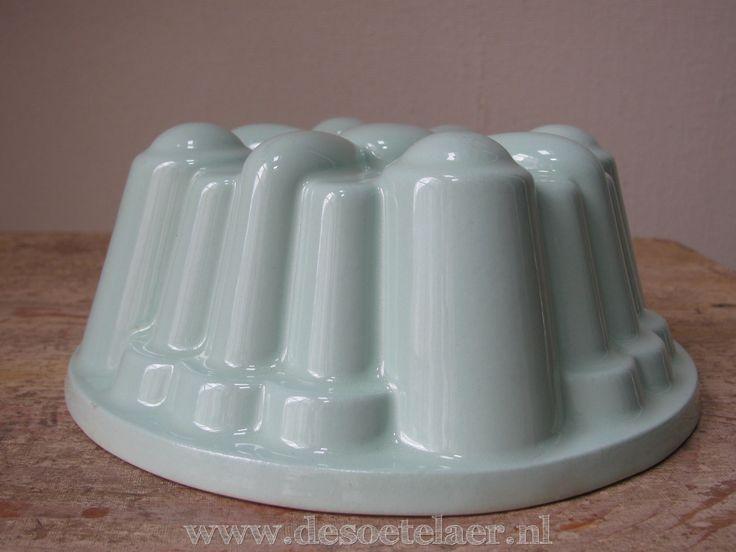 oude pudding vorm | old pudding form www.desoetelaer.nl