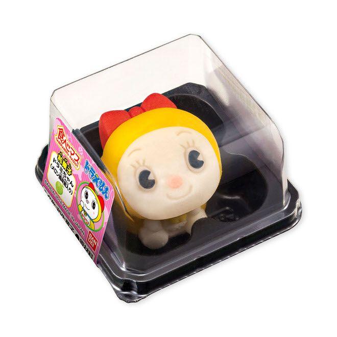 「ドラえもん」や妹の「ドラミちゃん」をモチーフにした和菓子「食べマス ドラえもん」が、全国のイオン(一部の店舗と沖縄をのぞく)などの和菓子売場で販売される。