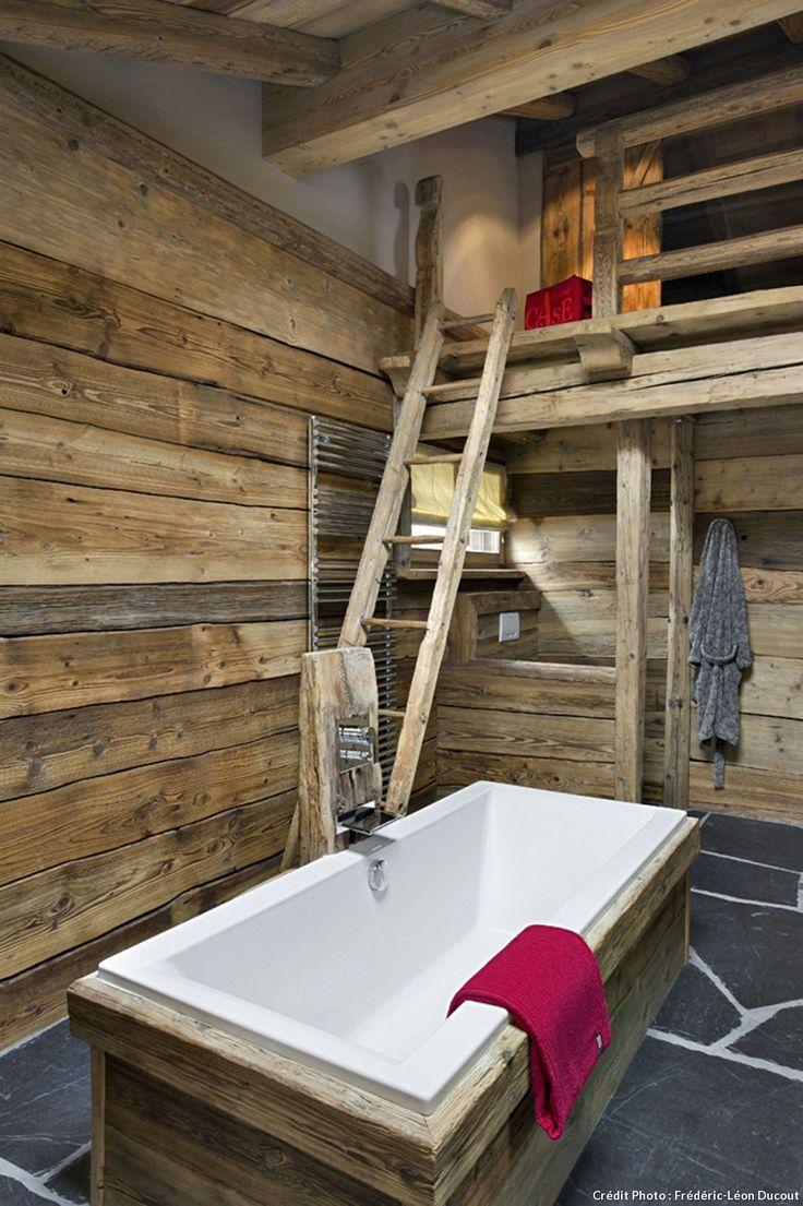 Salle de bain échelle en bois