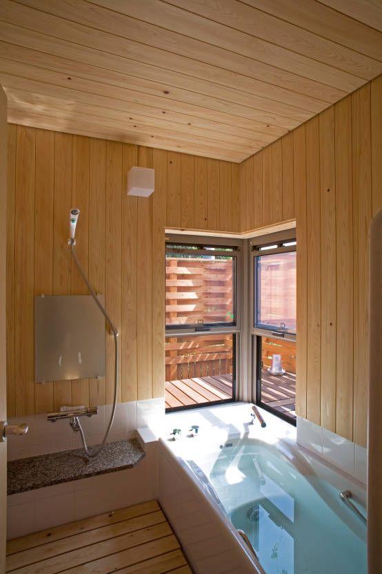 尾日向辰文建築設計事務所 の オリジナルな 洗面所/風呂/トイレ あおいやね