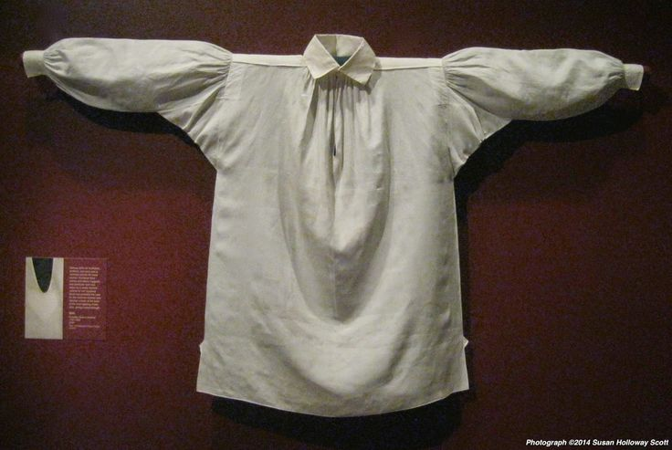 Shirt, maker unknown, linen, probably made in America, c1790-1820. Winterthur Museum. Photographs © 2014 by Susan Holloway Scott. - See more at: http://twonerdyhistorygirls.blogspot.com/2014/10/a-beautiful-and-romantic-18th-c-mans.html#sthash.e0Te2shG.dpuf