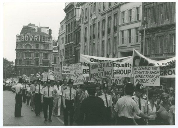 (History Porn) London's first official gay pride march, accompanied by police protection.