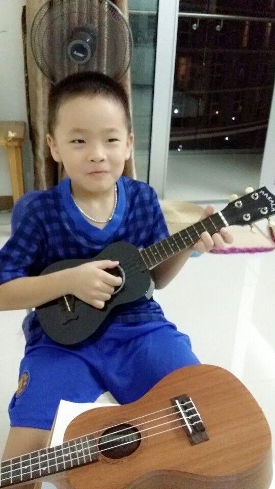 Dạy đàn guitar tại nhà  www.daydanguitar.vn  http://www.daykemtainha.vn/gia-su-day-dan-guitar.html
