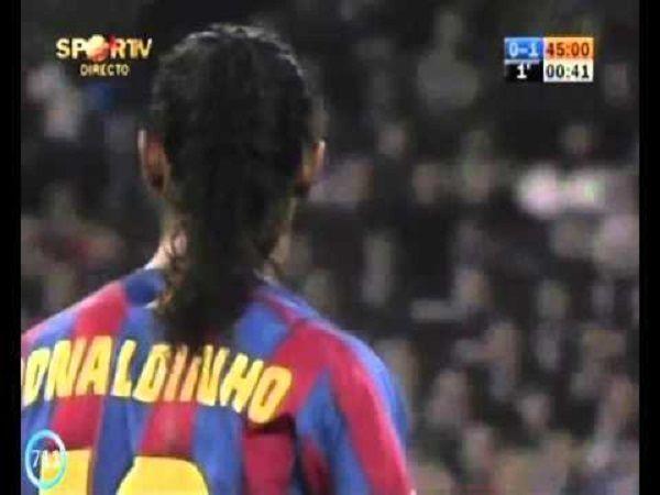 Ronaldinho dostał brawa od Madryckiej publiczności • Ronaldinho vs Real Madryt na Santiago Bernabeu • Wspaniały moment w futbolu >> #barca #barcelona #fcbarcelona #ronaldinho #football #soccer #sports #pilkanozna