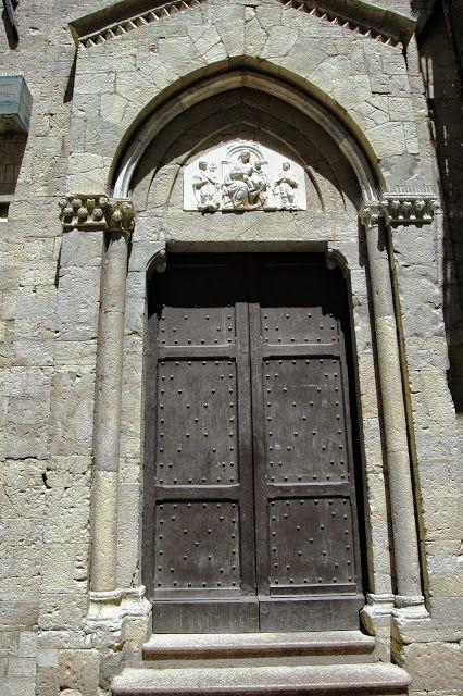 Sanremo (IM), Concattedrale di San Siro, porta laterale destra