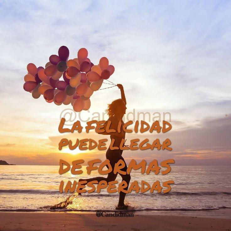 """La felicidad puede llegar de formas inesperadas"". - @Candidman #Candidman #Frases #Reflexion #Felicidad #Inesperada #FelicidadInesperada #Globos #Silueta #Mujer #Playa #Atardecer #Instagram #FrasesInstagram #FrasesParaInstagram #CandidmanMX"