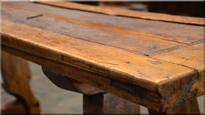 asztal antik faanyagból