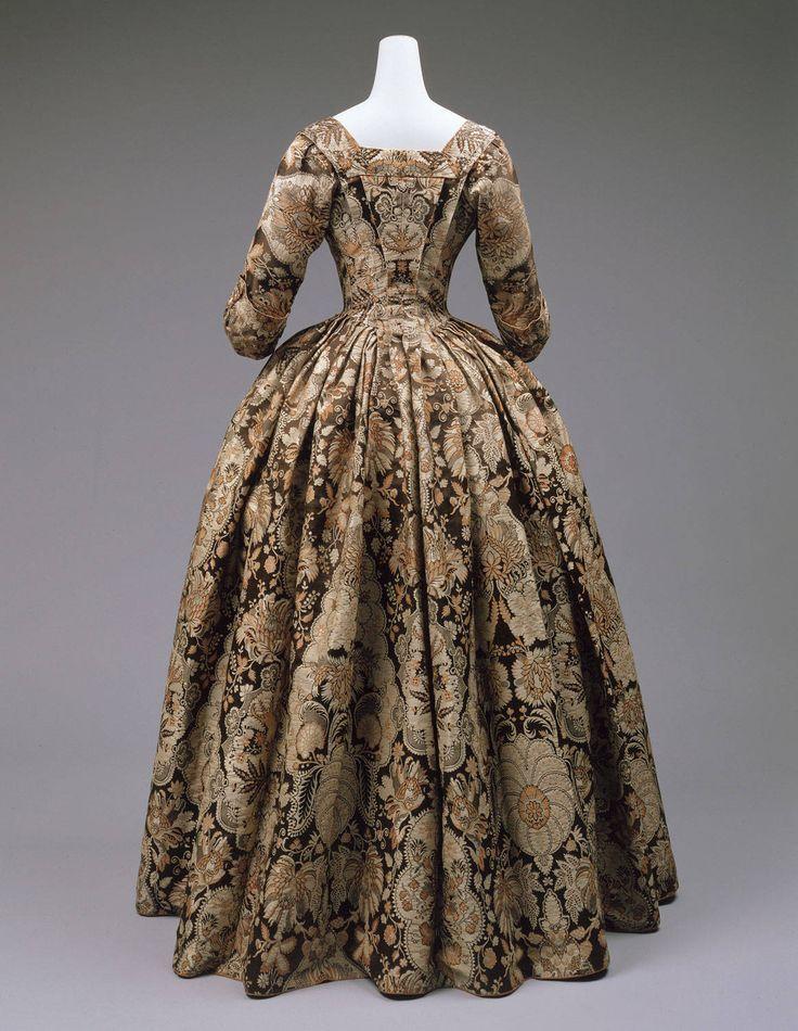 Robe à l'anglaise, 1725