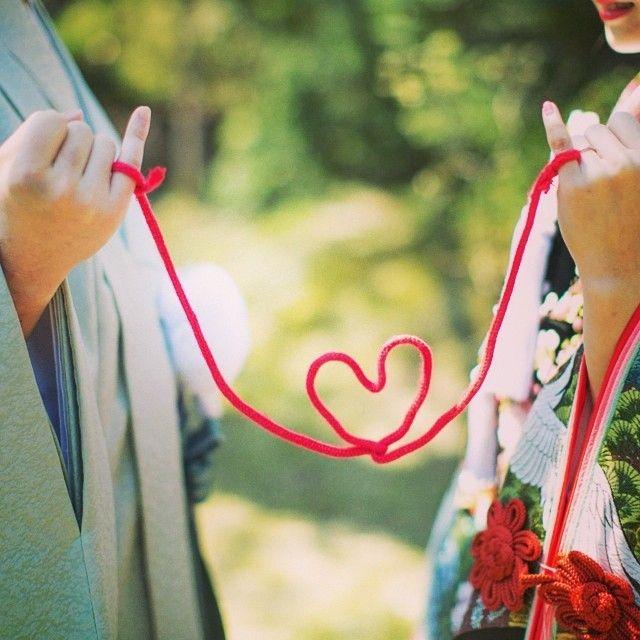 『運命の赤い糸』を結ぼう♡花嫁さんに大流行中の赤い糸は材料2つで手作りできる*にて紹介している画像