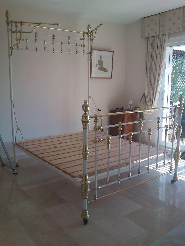 M s de 1000 ideas sobre camas antiguas en pinterest bancos de cabeceras camas y ropa de cama - Camas de hierro antiguas ...