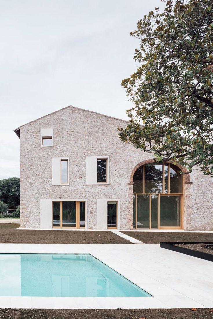 Studio Wok Blends History And Modernity With A Country Home In Verona Facade House House Designs Exterior Facade Design