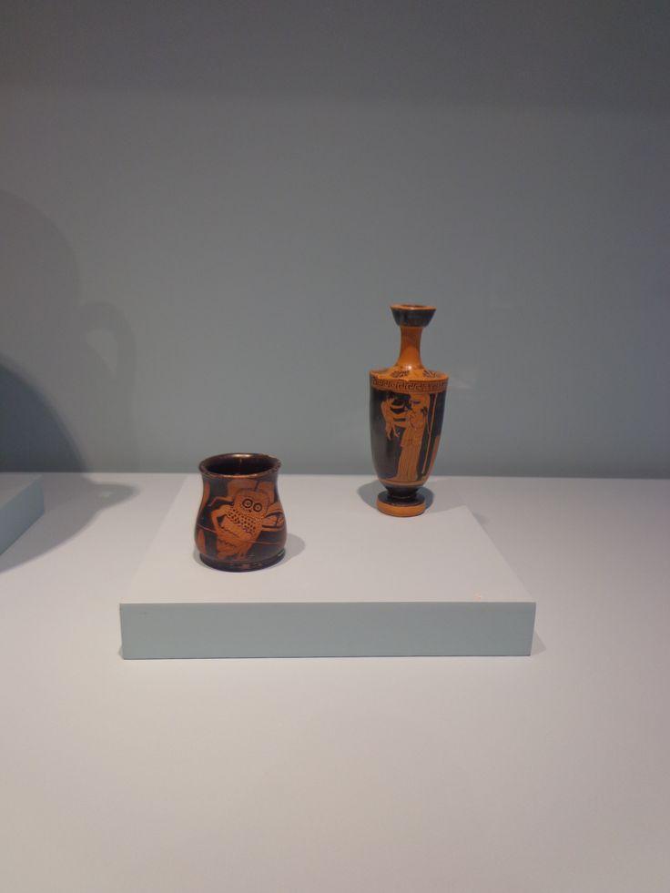 1)lechuza en armas  2)Atenea y Erictonio