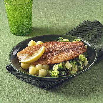 Gebakken tilapia met warme broccolisalade