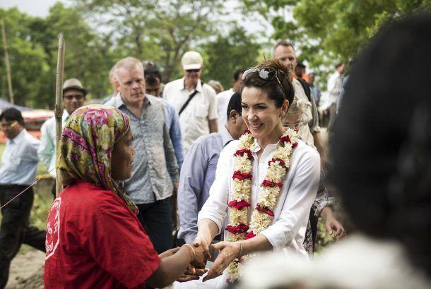 En danskstøttet landbrugsskole i Bangladesh, som skal gøre kvinder mere uafhængige af mændene i deres liv, har i denne uge haft kongeligt besøgt fra Danmark.