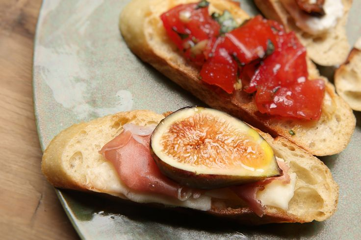 Our Recipes | Fig, Warm Pecorino, & Prosciutto Bruschetta Hamptons Lane