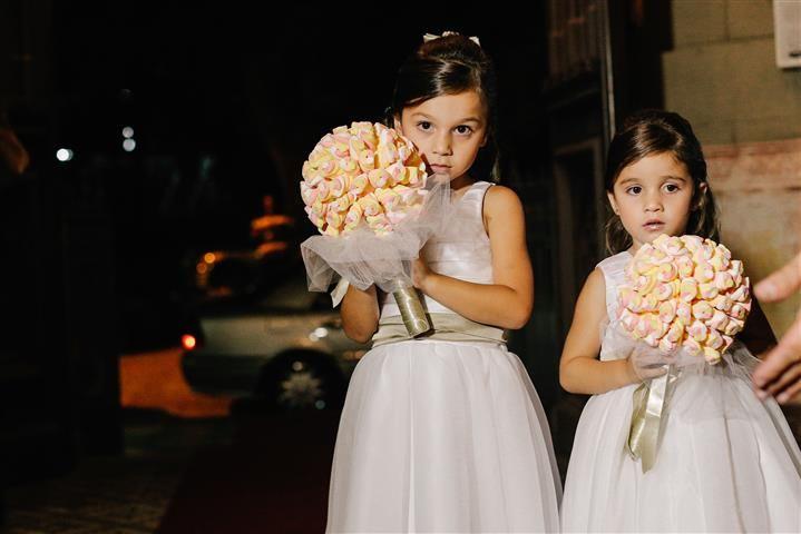 Buquês de marshmallow para as daminhas - Luiza e Rodrigo