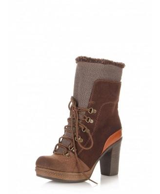 Oryginalne botki w sam raz na zimne dni. Połączenie pięknych kolorów dodaje im uroku. W środku ocieplane. Gruby obcas sprawia że buty są bardzo stabilne i wygodne.