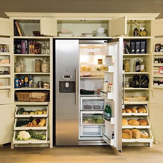 We don't go through that much bread, but this feels good to look at.  Love the dry vegetable drawers.