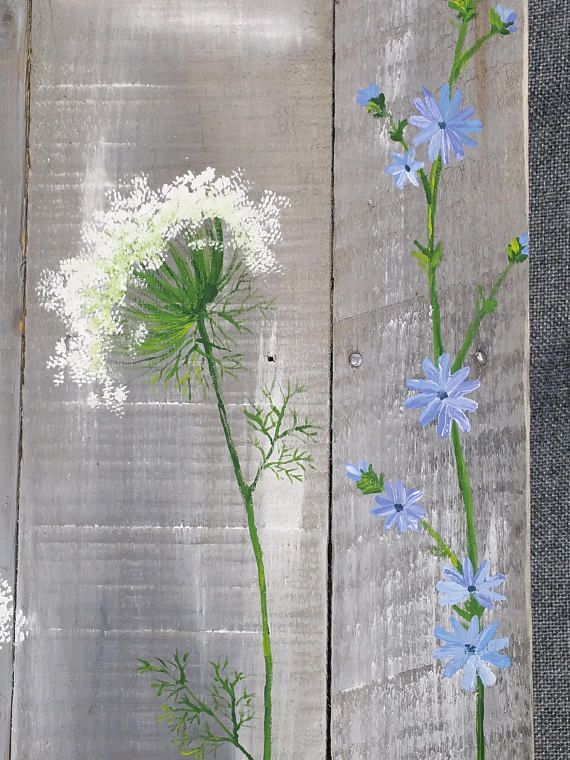 Pallet wall art, wild flowers greenery, Farmhouse decor, gray aged wood, hand painted flowers, Queen Ann Lace, Rustic shabby, Reclaimed