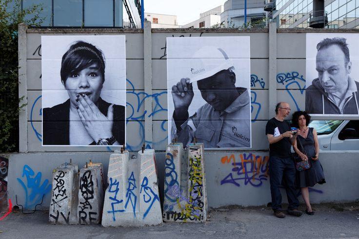Dès le 7 juillet et pour tout l'été, des centaines de portraits en noir et blanc envahissent les murs du canal de l'Ourcq, de la Place de Stalingrad au bassin de Pantin. ©Henri Garat/Mairie de Paris