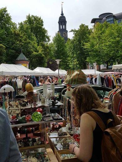 Flohmarkt auf dem Großneumarkt