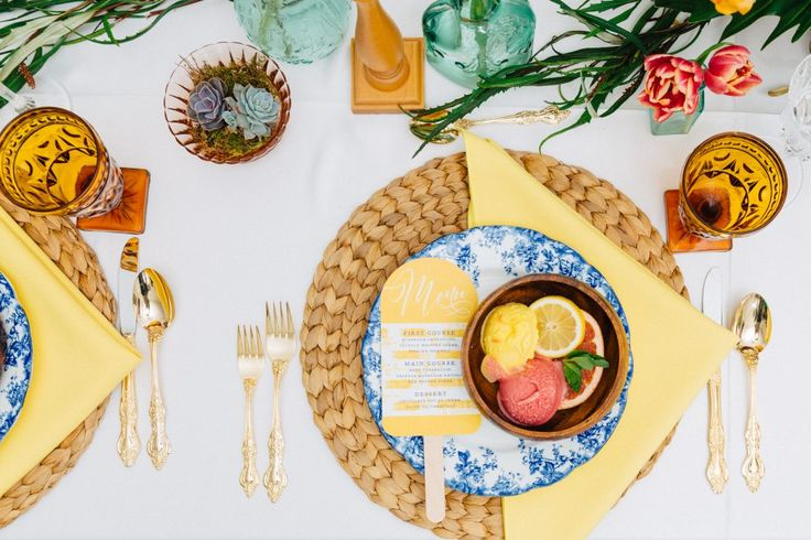 Tabletop; Tablescape; Tablestyle; Wedding; Colourful Wedding; Gina Humilde Events