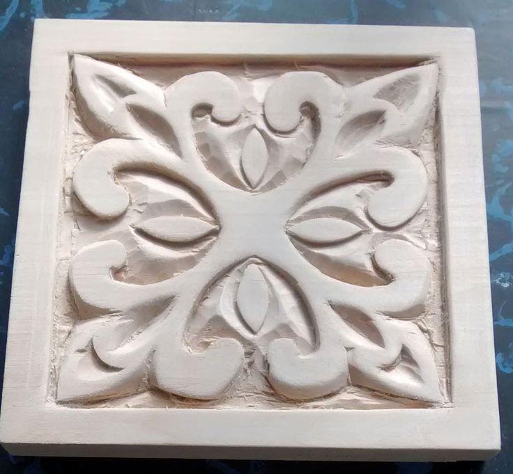 Roseta clasica tallada talla en madera pinterest