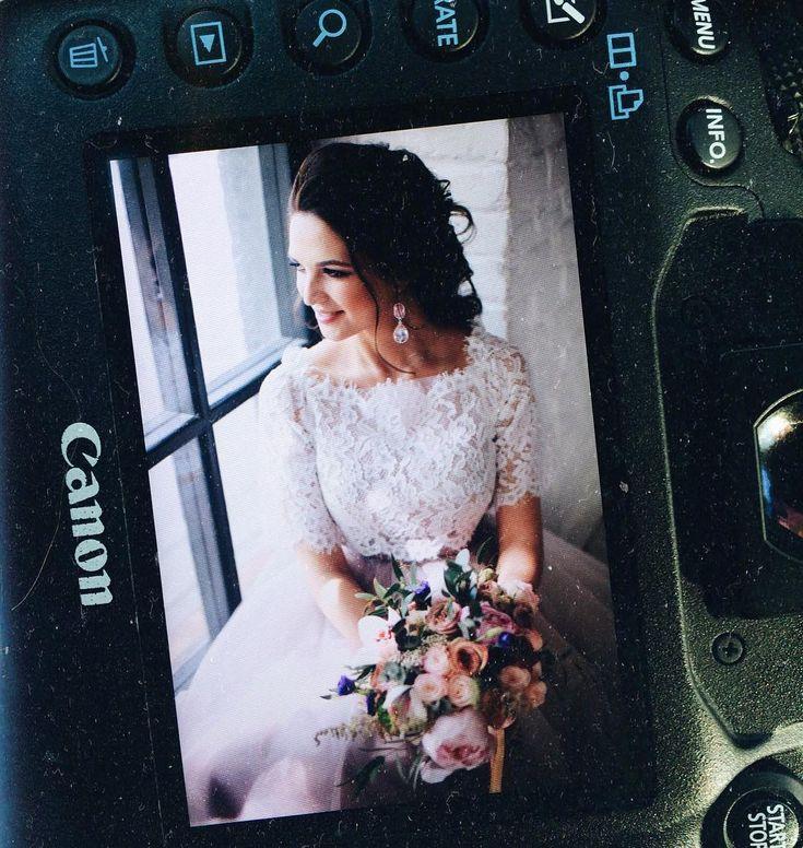 Мне вот и пофиг было на снег, на весну, дождь-херождь, лишь бы на скорость не влияло и в центре коломенского парка вьюга на свадьбе не настигла ��  #wedding#weddingdress#weddingflowers#bride#свадьба#невеста#weddingphotographer#сваднбноеплатьемосква#свадебныйфотографмосква#свадебныйбукет#невеста2017#венчание#model#iraabdyevaphoto#фотоскссиявмоскве#свадьбавмоскве#утроневесты#сборыневесты#фотографнасвадьбу#свадьба2017#свадебныеидеи#идеядлясвадьбы#букетневесты#свадебныйбукет…