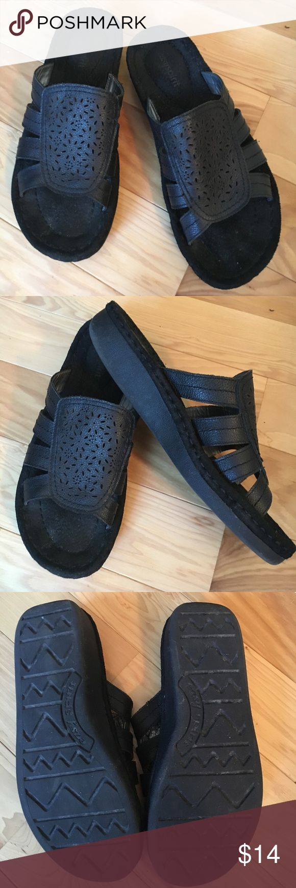 Easy Spirit Dreamflowwm Black leather sandal 9M Easy Spirit Dreamflowwm Black Sandal. 9M. Leather upper and lining.   Lightly used. No visible signs of wear except slight toe impression. Excellent condition. Easy Spirit Shoes Sandals