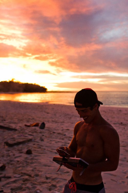 dailycuteboy.com #humpday #sunset #shirtless