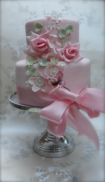 cheap wedding cakes cardiff 17 best images about pink diamonds and pearls birthday 12526