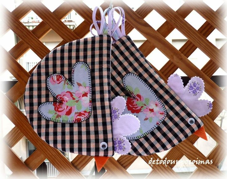 Un conjunto de guardabolsas y cogedores para poner guapa nuestra cocina.  https://www.facebook.com/detodounpocoimashttp://detodounpocoimas.blogspot.com.es/