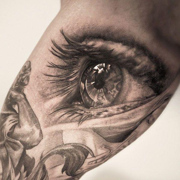 Hyperrealistic tattoo www.tattoodefender.com #Hyperrealistic #hyperreal #tattoo #tatuaggio #tattooart #tattooartist